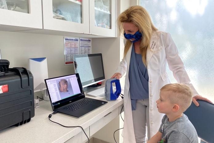 3D Modell des Ohres und Patient