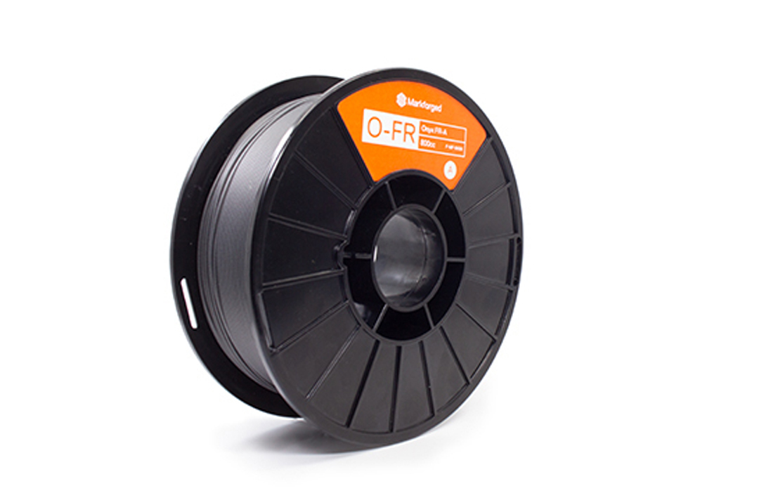 Onyx FR-A und Kohlefaser FR-A Spule Material von Markforged Onyx FR-A