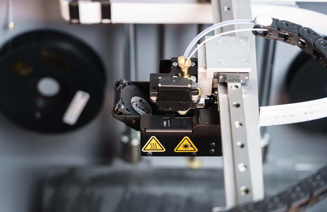 Markforged X5 3D-Drucker Nahaufnahme